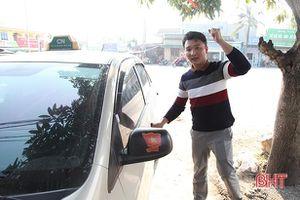 Tài xế xe công nghệ ở Hà Tĩnh bị 'đồng nghiệp' rượt đánh