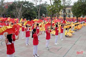 Hơn 1.500 VĐV tranh tài Đại hội Điền kinh - thể thao ngành Giáo dục TP Hà Tĩnh