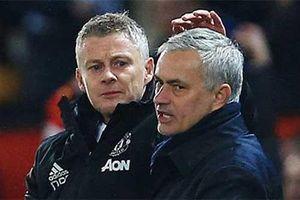 'Mourinho dựng xe buýt thì bị chỉ trích, còn Solskjaer thì không'