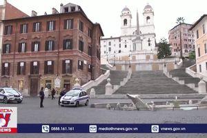 Chính phủ Italy tránh được nguy cơ sụp đổ