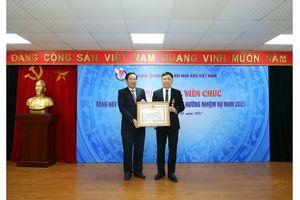 PGS,TS Nguyễn Thành Lợi vinh dự nhận Huân chương Lao động hạng Ba của Chủ tịch nước