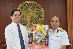 Bí thư Tỉnh ủy Phạm Viết Thanh thăm, chúc Tết các cá nhân, đơn vị