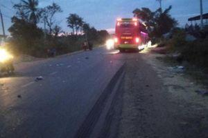 Hai mẹ con tử vong sau va chạm với xe khách