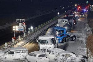 Bão tuyết ở Nhật khiến 134 ô tô tông nhau liên hoàn
