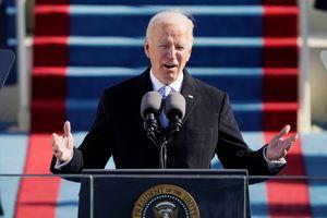 Khoảnh khắc ông Biden tuyên thệ nhậm chức tổng thống