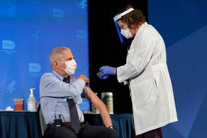California bất ngờ phát hiện biến chủng mới của virus corona