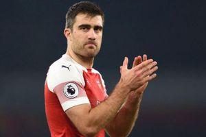 Arsenal chia tay cầu thủ thứ 4 trong tháng 1
