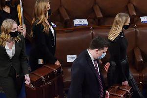 Phát hiện bất ngờ về hình ảnh 'giải cứu' thùng phiếu đại cử tri