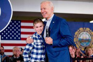 Cậu bé nói lắp gây chú ý trong ngày ông Joe Biden nhậm chức