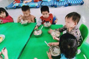 Quảng Ngãi: Phụ huynh 'tố' nhà trường 'xén' khẩu phần ăn của trẻ