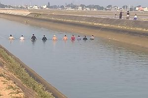Vụ đuối nước thương tâm trên sông Ðào: Nên bổ sung 'phao cứu sinh'