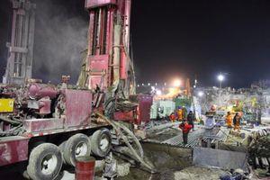 11 ngày sau tai nạn sập hầm, 21 công nhân Trung Quốc vẫn kẹt dưới lòng đất