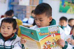 Giáo viên ít ngồi ghế, học sinh đọc thông viết thạo sau một học kỳ