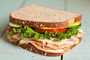 10 phút xong ngay bánh mì sandwich kẹp thịt nguội