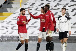 Ngược dòng hạ Fulham, M.U trở lại ngôi đầu Premier League