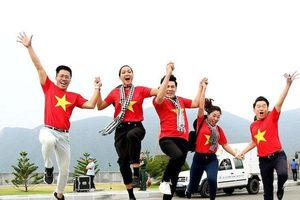 Hoa hậu H'hen Niê gửi gắm thông điệp yêu nước đến giới trẻ