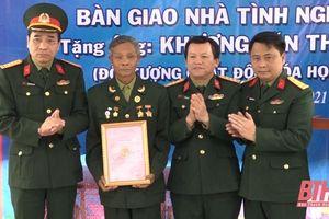 Bàn giao nhà tình nghĩa tặng 2 gia đình chính sách ở xã Hà Long