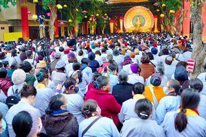 Hàng ngàn người dự lễ Đức Thế Tôn thành đạo, quy y Tam bảo