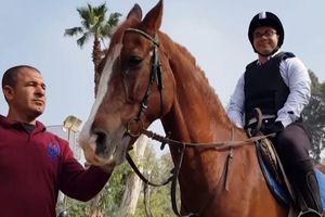 Lớp cưỡi ngựa điều trị tự kỷ cho trẻ em ở Ai Cập
