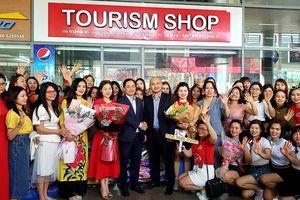 Đà Nẵng đón 700 du khách từ Hà Nội