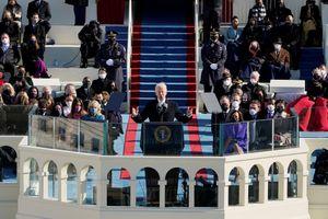 Khoảnh khắc bất ngờ trong ngày nhậm chức của ông Biden