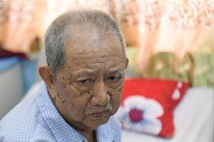 Hoài Linh, Khánh Vân giúp nghệ sĩ Mạc Can chữa bệnh