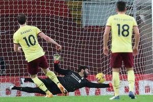 Hàng công bế tắc, Liverpool thua Burnley 0-1