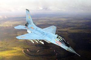 Niềm tự hào của Trung Quốc có phải là bản sao tiêm kích MiG-33?