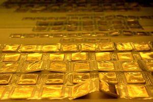 Giá vàng và USD quay đầu giảm