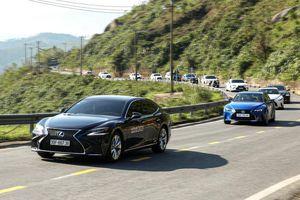 Hành trình chinh phục đèo Hải Vân cùng Lexus IS