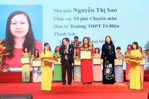 Cô giáo Sao truyền lửa cho học sinh học môn Giáo dục công dân