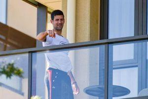 Bị chỉ trích nặng nề, Novak Djokovic viết tâm thư giải thích mình không ích kỷ
