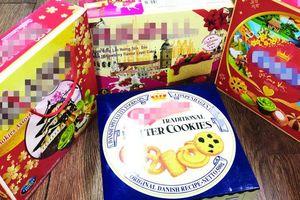 Sốc với những hộp bánh nhái thương hiệu nổi tiếng độn rác cho đủ trọng lượng