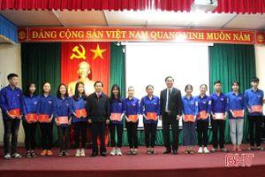 100 học sinh THPT ở Hương Sơn được bồi dưỡng lý luận chính trị
