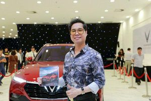 Có siêu xe tiền tỷ nhưng Ngọc Sơn vẫn tin dùng xế hộp Việt