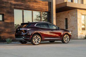 SUV động cơ tăng áp, nhiều trang bị hiện đại, giá gần 800 triệu đồng