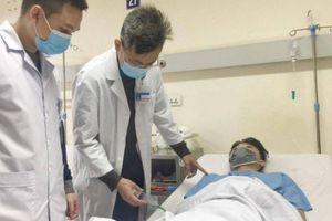 Cậu bé 16 tuổi ở Hưng Yên chấn thương tinh hoàn vì tranh chấp bóng chuyền