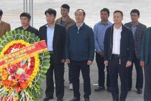 Đoàn công tác Bộ GTVT dâng hương tưởng nhớ các anh hùng liệt sĩ ở Quảng Trị