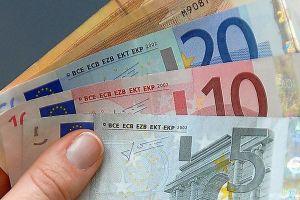 Lượng tiền giả tại châu Âu giảm mạnh