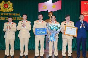 Thanh Hóa: Trao thưởng Phòng Cảnh sát giao thông có thành tích trấn áp tội phạm