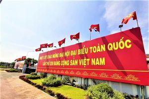 Các tỉnh ĐBSCL rực rỡ cờ hoa, biểu ngữ chào mừng Đại hội lần thứ XIII