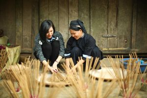 Khám phá nghề làm hương truyền thống của người Nùng ở Cao Bằng