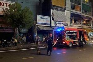 Cứu 7 người bị kẹt trong đám cháy tại thành phố Hồ Chí Minh