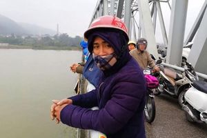 Vớt được thi thể phụ nữ gieo mình xuống sông Lam
