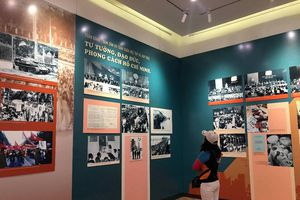 Trưng bày chuyên đề về Chủ tịch Hồ Chí Minh và Đảng Cộng sản Việt Nam