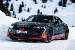 Audi e-tron GT sẽ được ra mắt vào tháng 2