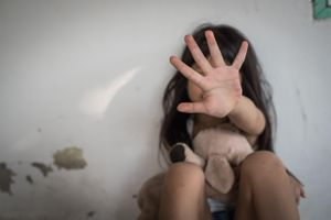 Kẻ hiếp dâm bé gái chỉ bị ngồi tù 5 năm ở Trung Quốc