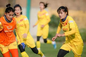 Tuyển nữ quốc gia đọ cựu cầu thủ U23