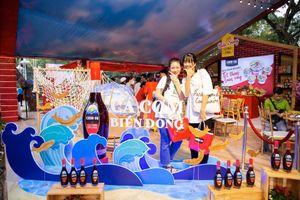 Đến Lễ hội Tết Việt, thưởng thức nước mắm CHIN-SU Cá Cơm Biển Đông