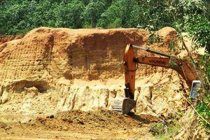 Công ty ở Bình Định bị phạt tiền tỷ vì khai thác đất 'nhầm' vị trí